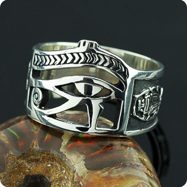 eye of horus ring gold