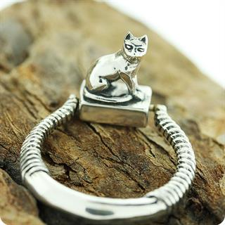 Egyptian Royal Silver Cat Goddess Bastet Stamp Ring